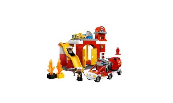 Feuerwehrhaus von Duplo